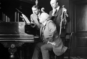 Roentgen Trio in Amsterdam; note Julius with the Lipinski